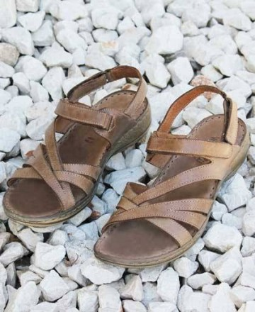 Catchalot Brown Walk & Fly sandals 7325-16170