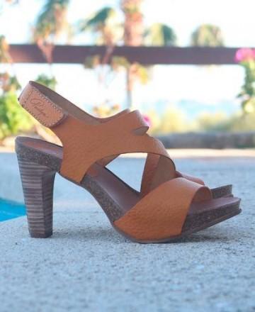 Catchalot Penelope 5067 camel sandals