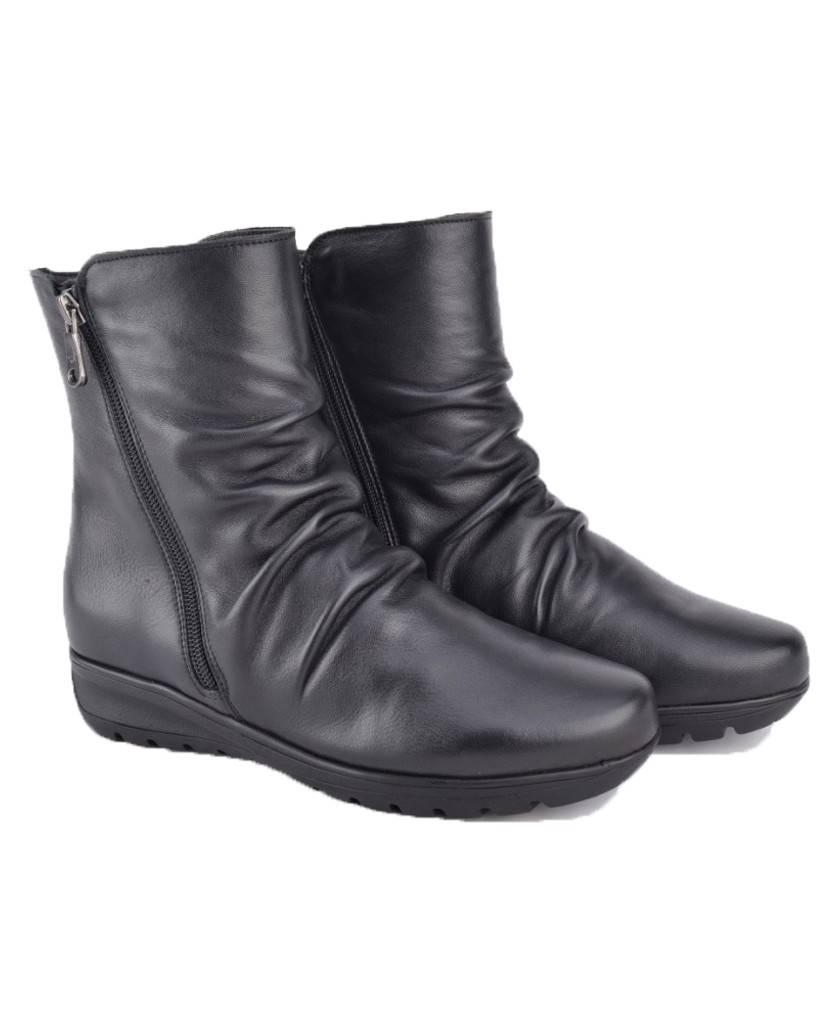 Botas para mujer en color negro Caracteristicas con cremallera cuna 3 cm zapato de estilo casual suela de goma exterior piel e