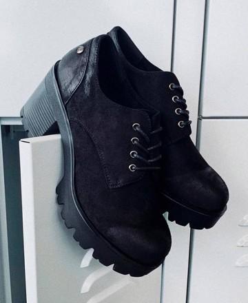 Zapatos tacón Mustang 58639 negro