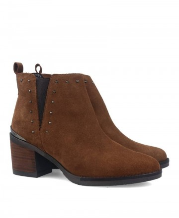 women shoes -  Suede booty Kissia 135