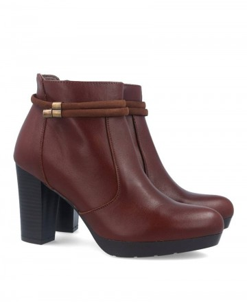 High heel ankle boots Patricia Miller 1013