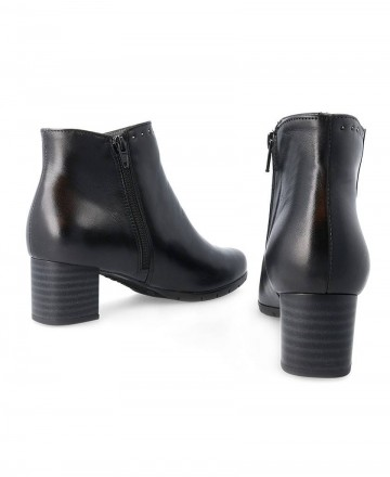 Booties with studs Pitillos 5746