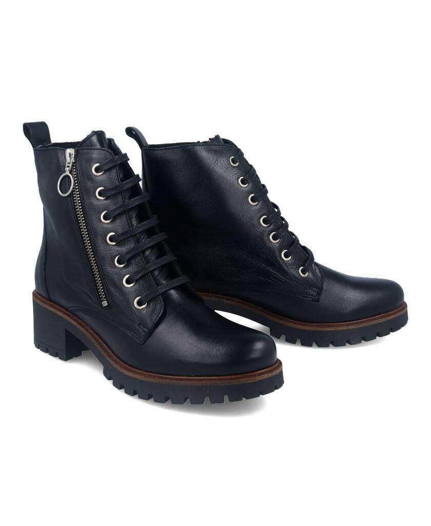 Low heel ankle boots Tambi Arroyo