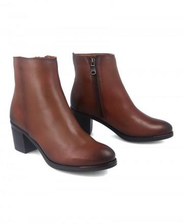 Catchalot Leather booty Paula Urban 6-876