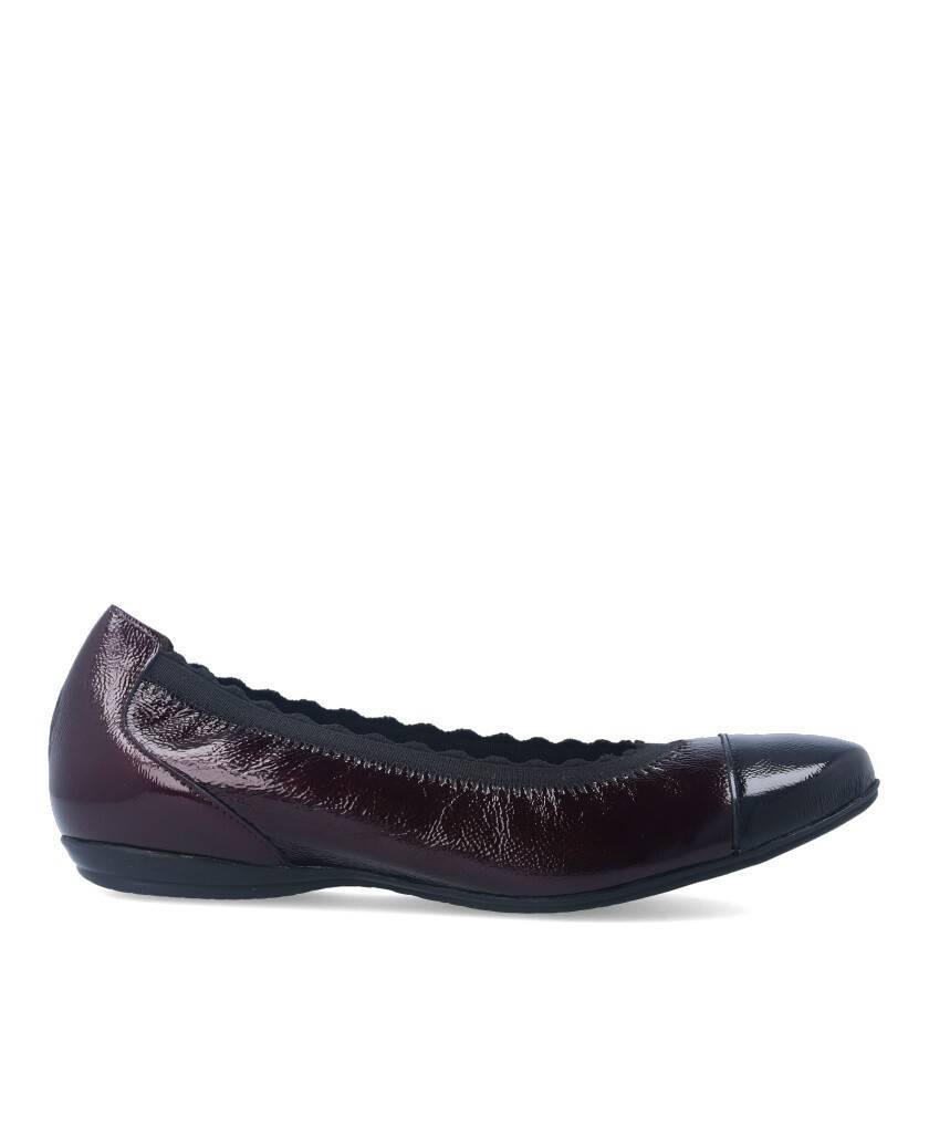 Zapatos tipo bailarina de para mujer en color burdeos Caracteristicas cuna 3 cm piso de goma exterior charol e interior forro y