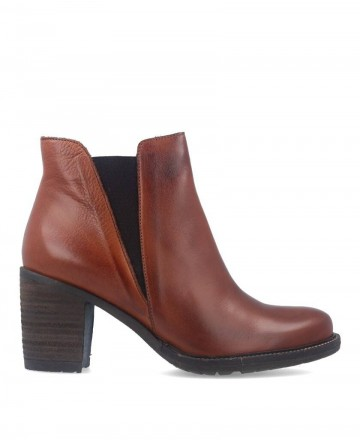Traveris 8868 leather ankle boots