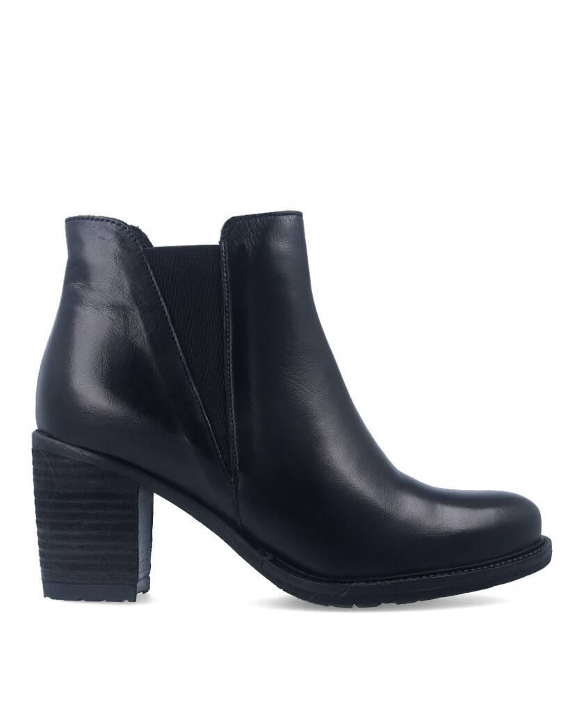 Botines para mujer en color negro Caracteristicas elastico tacon 7 cm zapato de estilo casual suela de goma exterior piel e int