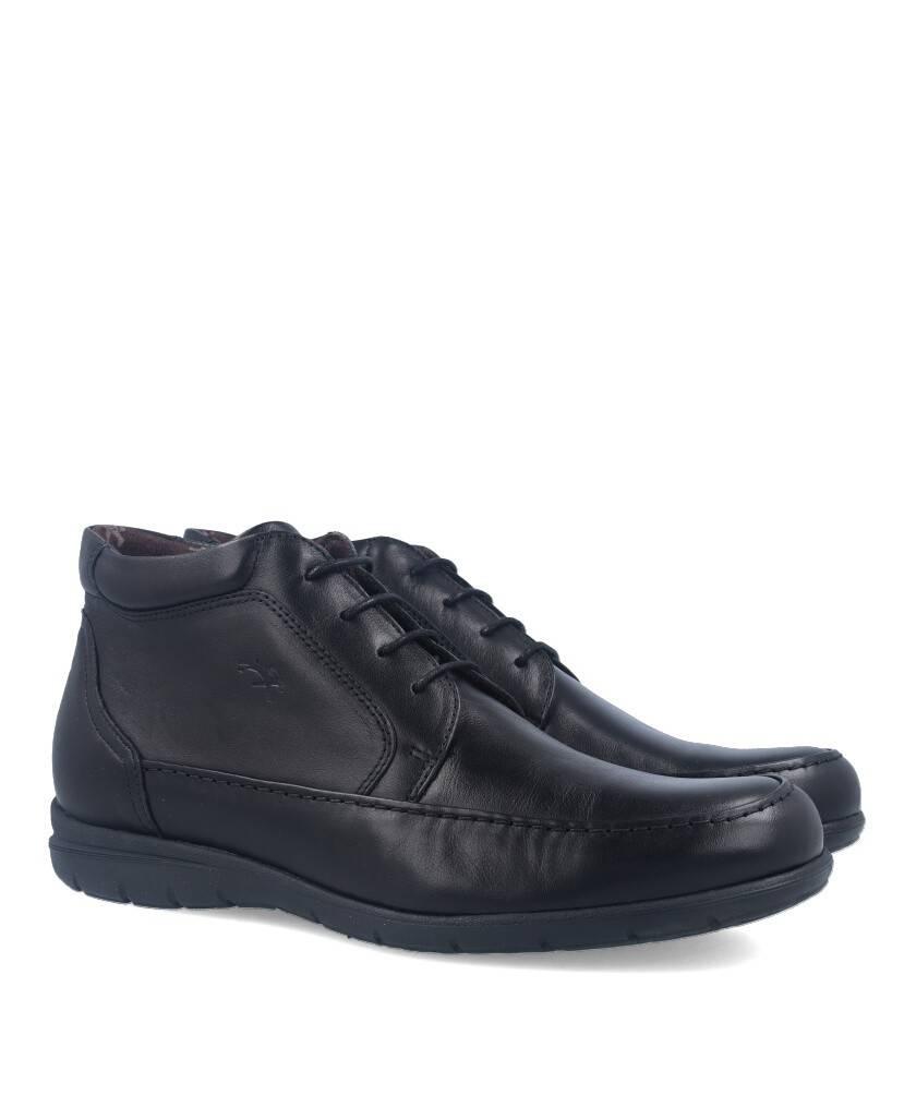 Botas de para hombre en color negro Caracteristicas con cordones altura de piso 2 cm piso de goma termoplastica exterior piel e