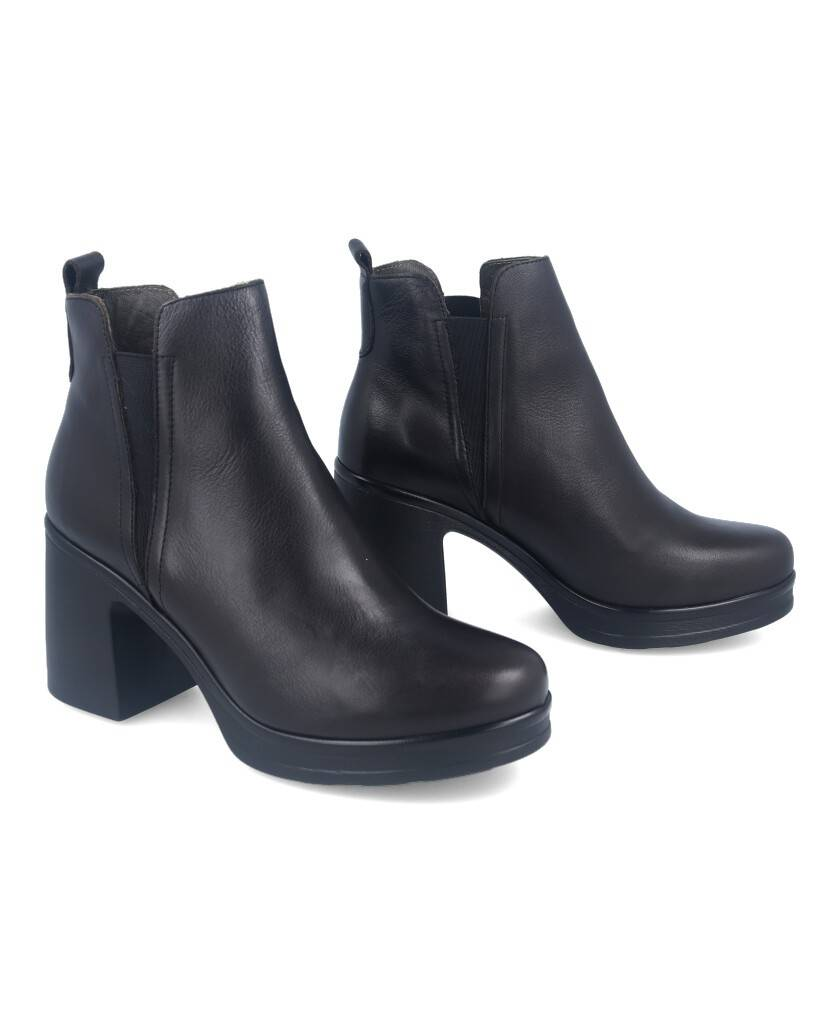 Bryan 2104 high ankle boots