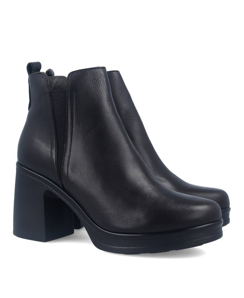 Bryan 2104 black leather ankle boots
