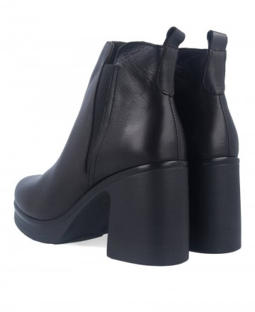 Bryan 2104 leather ankle boots