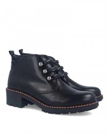 Kennebec 7049 leather ankle boots