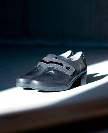 Fluchos Charis F0587 sugar black slip-on shoes