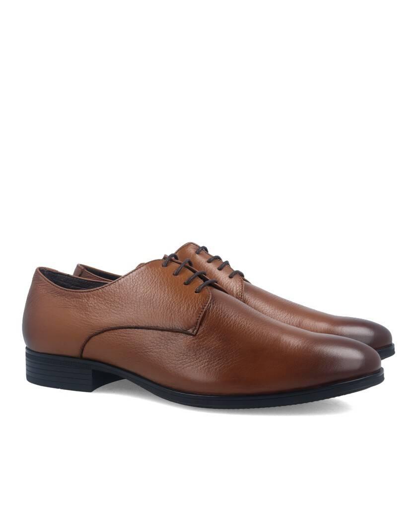 Zapatos para hombre en color cuero Caracteristicas con cordones tacon 2 cm piso de goma termoplastica exterior piel e interior