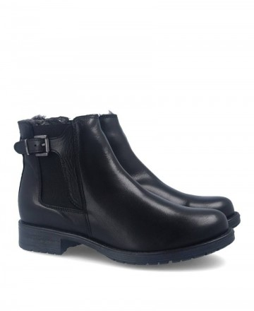 Flat leather ankle boots Traveris IB1859