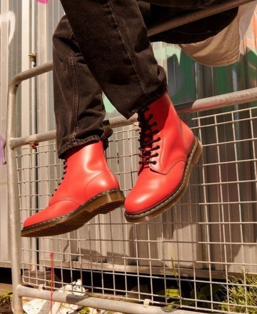 Bota lisa roja Dr. Martens Cherry Red Smooth