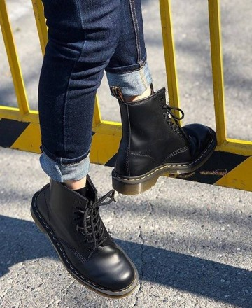 Catchalot Dr. Martens 1460 black smooth boots