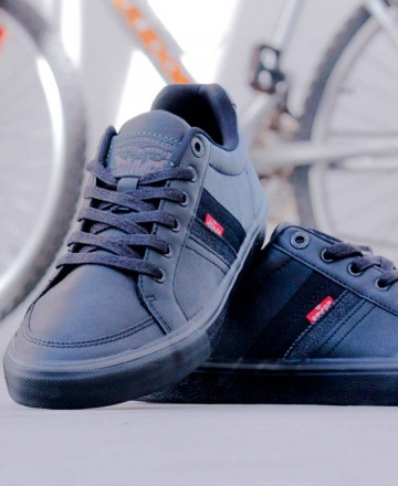 Catchalot Smooth black sneaker Levi's 229171/794