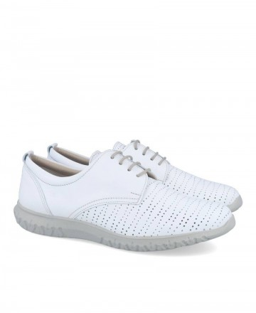 White shoes with laces Dorking D8230
