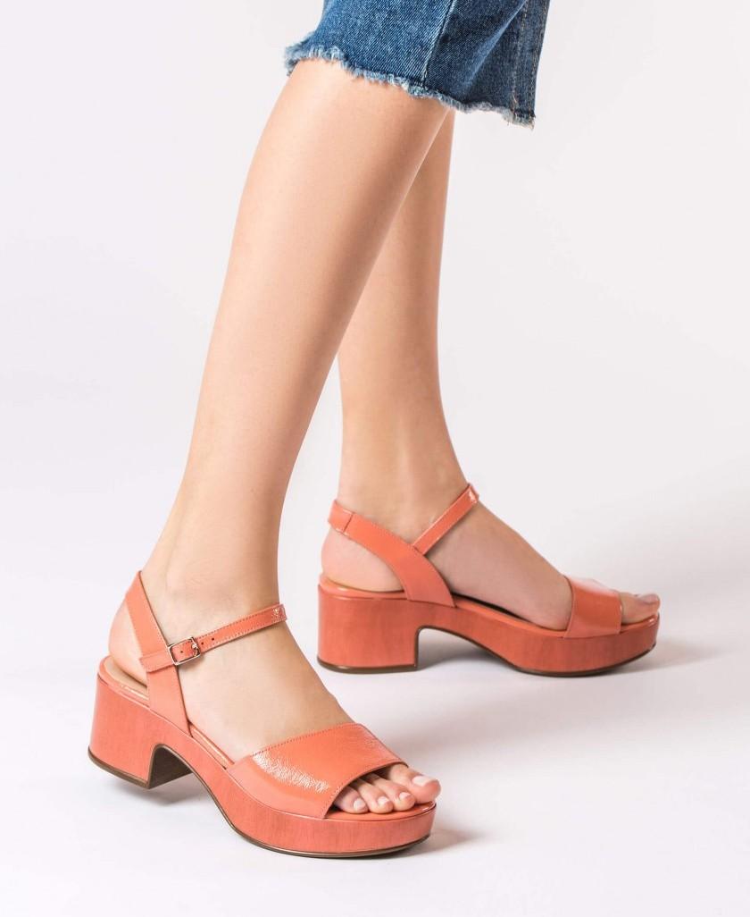 Wonders D-8802 block heel sandal