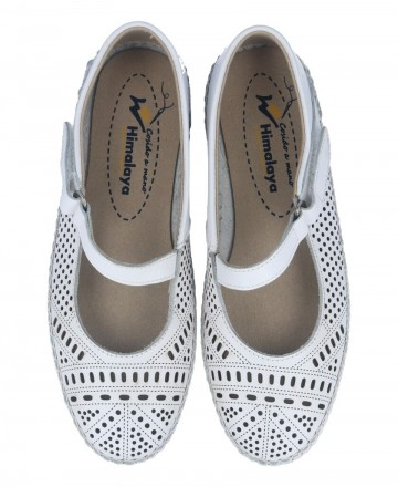Catchalot White flat ballerinas for women Himalaya 5517