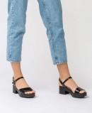 Black leather sandals Wonders D-8802