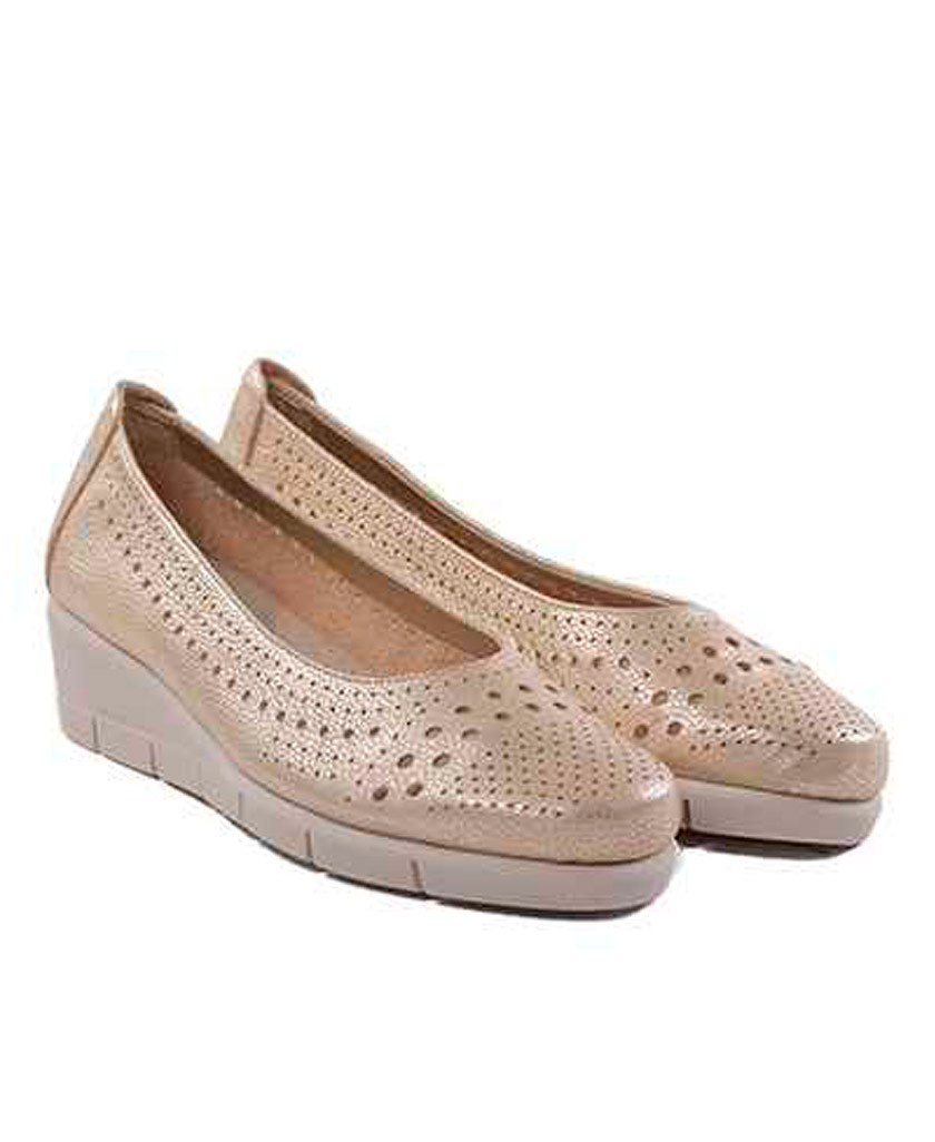 The Flexx Palomino gold flat shoes
