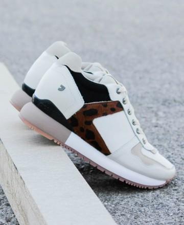 Sneakers blancas de mujer con cuña interna Gioseppo Eeklo 60831