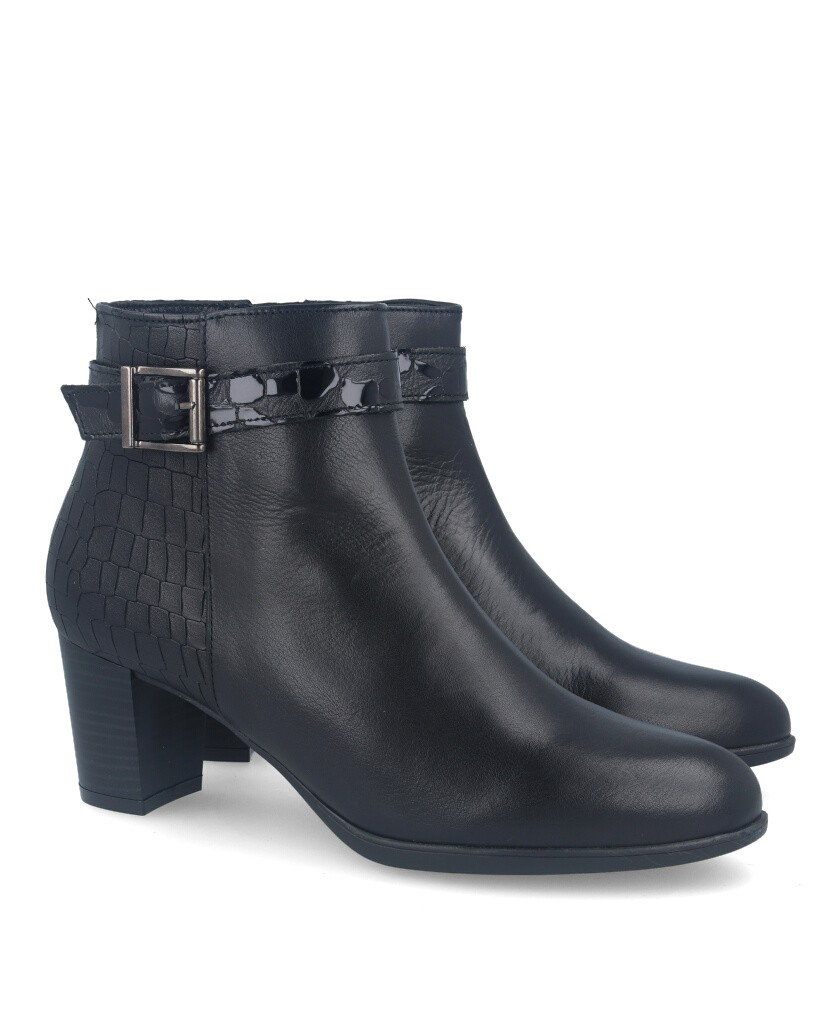 Traveris 13/2050 buckle ankle boot