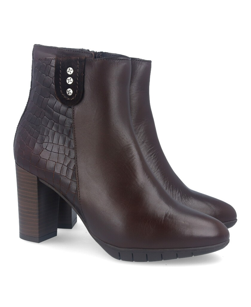 Brown high-heeled ankle boot Traveris 55/2058