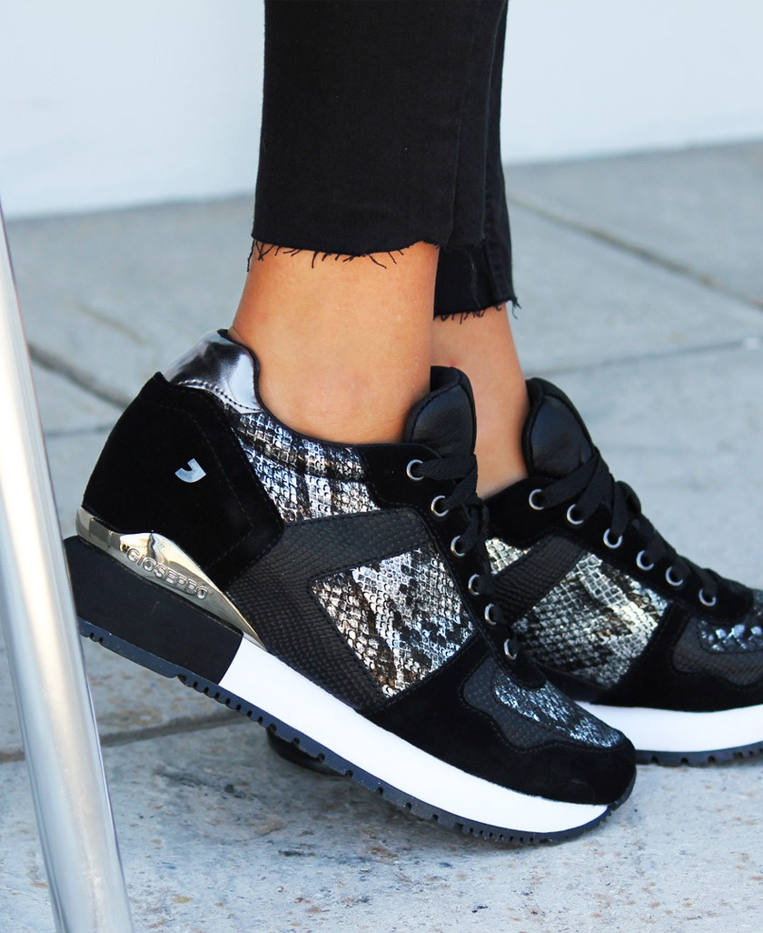 sneakers print de serpiente negra Gioseppo Rapla 60450