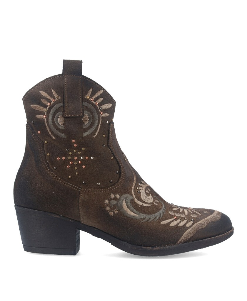 Ankle boot with Exé Bela 444 details