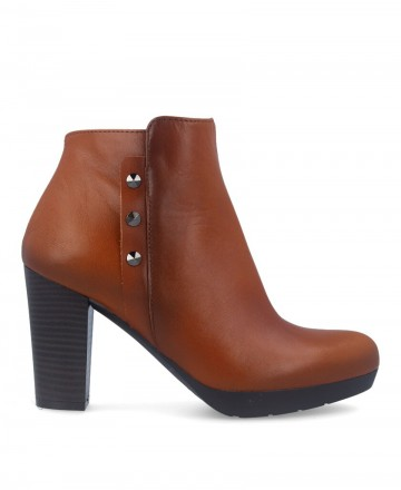 Patricia Miller 4055 leather ankle boots brown