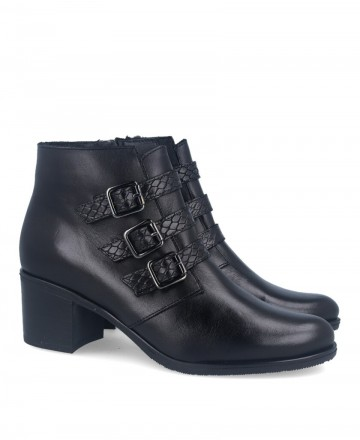 Ankle boot with buckles Catchalot MA 220009