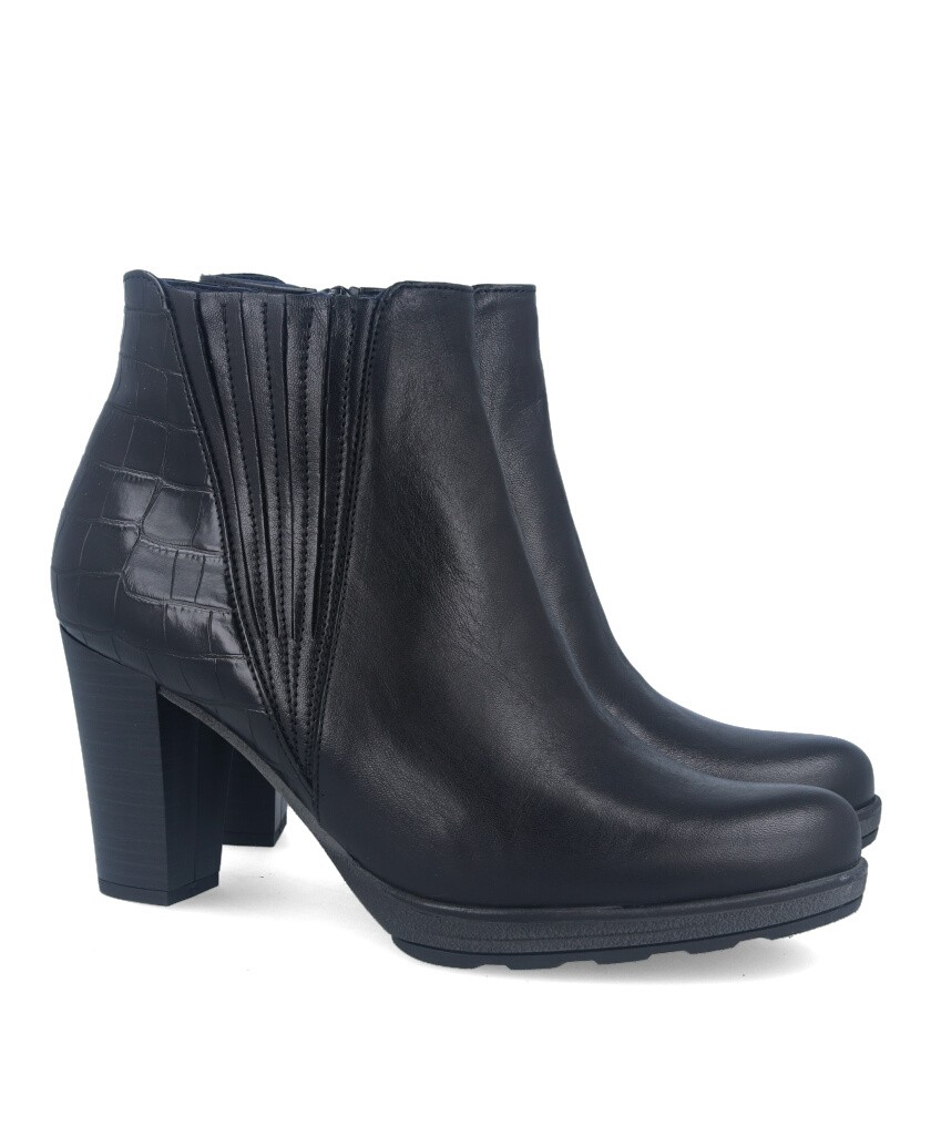 Black leather ankle boots Dorking Reina D8305