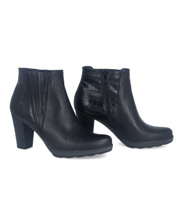 Catchalot Black leather ankle boots Dorking Reina D8305