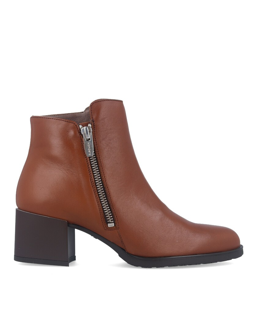 Smooth leather ankle boots Wonders h3520