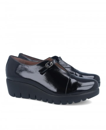 Black moccasin with wedge Wonders C-33224