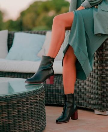 Leather ankle boots Alma de Candela 295