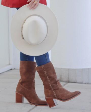 Catchalot Wide heel cowboy boots Tambi Bruma