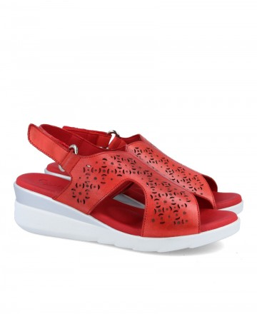 Casual sandals with wedge woman Desireé URBI3 red