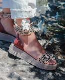 Sandalias con pulsera de piel al tobillo con print de cebra y leopardo Andares 882931